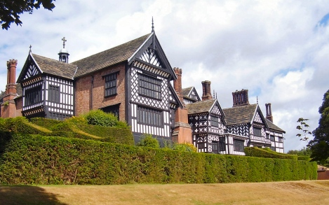 Bramall_Hall_2
